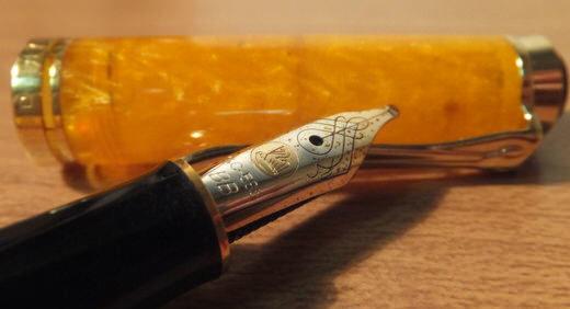 スーベレーンM320(ペリカン)が6本目の万年筆! オレンジのボディと型番に縁を感じました♫≡