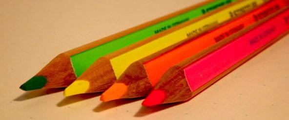 蛍光色鉛筆・ステッドラーのテキストサーファードライ。狙ったポイントをネオンカラーで目立たせる