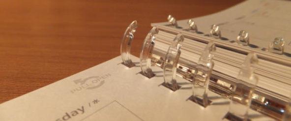 ツイストリングノートに手帳リーフ! コロモガエ・ダイアリーならシステム手帳っぽさありつつ、気楽に使える