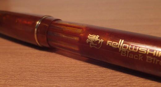 インドの万年筆FELLOWSHIP。 大量のインクを蓄えるアイドロッパー式(=インク直入れ)の魅力には惹かれる