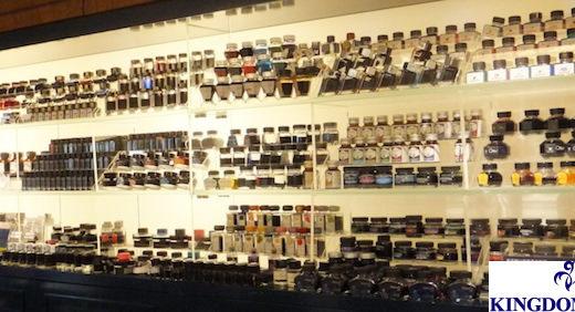 キングダムノートは新宿で高級筆記具を扱うお店。 一度足を踏み入れれば、奥深くて愉しい中古万年筆&インク沼があなたを待っています!≡
