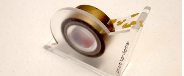 カッターツムリはカタツムリ形の2口テープカッター。マステやテープを貼ってから切るスライド方式をシッポがこなす