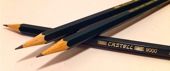 カステル9000(ファーバーカステル)は強度・滑らかさを兼ね揃えた鉛筆の老舗によるスタンダード品。無難に仕事をこなす姿は鉛筆の鏡