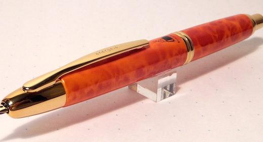 ブングボックスのオリジナル万年筆・キャップレス エネルゲイア。キャップレスの使い勝手の良さを知ってるからこそ四本目!≡