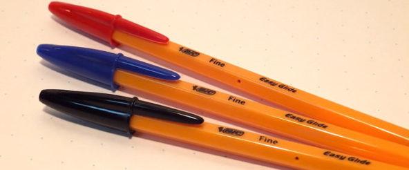 Bicのボールペン・オレンジEG。橙色のボディとビッグフードキャップにデジャヴュ?