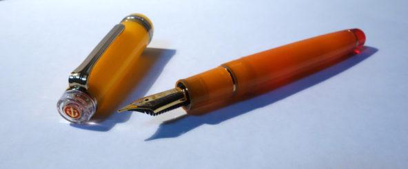セーラー万年筆の限定品・テキーラサンライズ。カクテルのグラデーション、とゅるっとした質感を巧みに再現